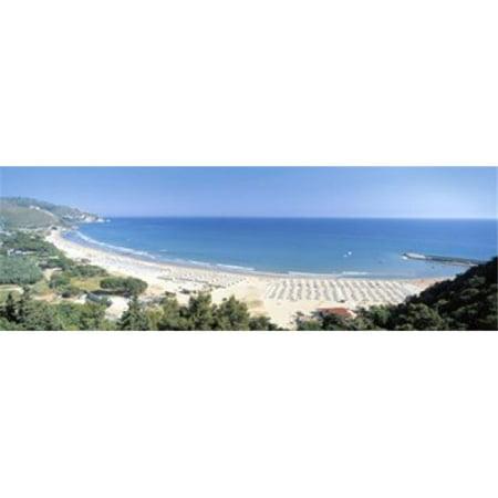 Images panoramiques PPI92043L High angle de vue de la plage de Sperlonga Lazio Italie d'affiche par images panoramiques - 36 x 12 - image 1 de 1