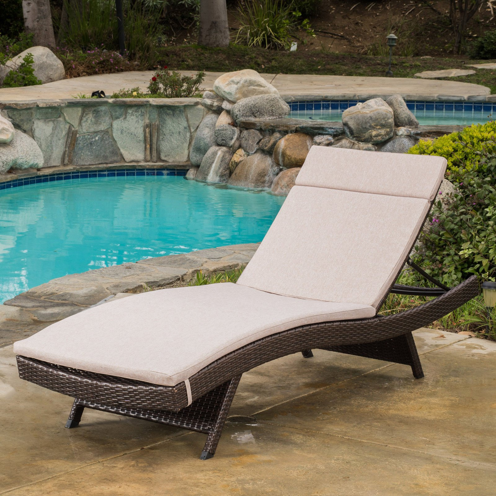 Luana Wicker Chaise Lounge with Cushion