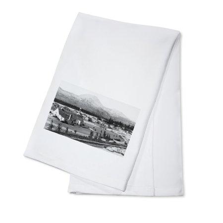 Bonneville Dam, OR Project Headquarters Photograph (100% Cotton Kitchen Towel)