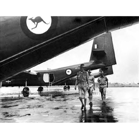 Canvas Print Crews of Royal Australian Air Force de Havilland Canada DHC-4 Caribou transports leave their aircraf Stretched Canvas 10 x 14