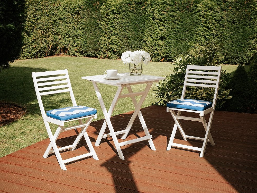 Beliani White Wooden Garden Bistro Set With Cushions FIJI