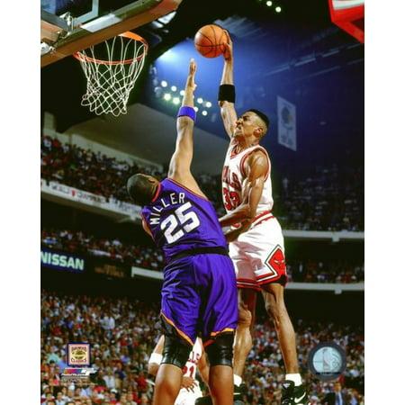 Scottie Pippen Game 3 of the 1993 NBA Finals Action Photo Print (Scottie Pippen Nba)