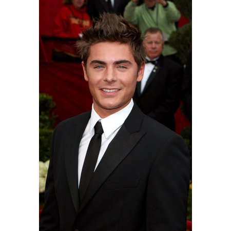 Zac Efron At Arrivals For 82Nd Annual Academy Awards Oscars Ceremony - Arrivals The Kodak Theatre Los Angeles Ca March 7 2010 Photo By Emilio FloresEverett Collection - Plastic Oscar Award