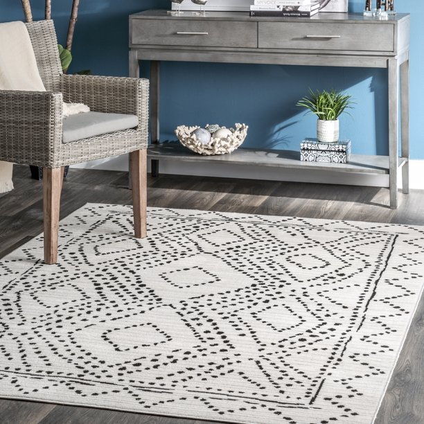 nuLOOM Mila Dotted Diamond Trellis Area Rug