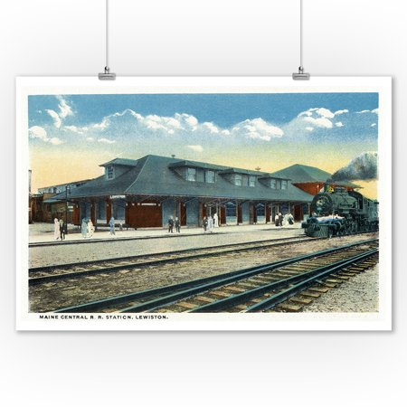 Lewiston, Maine - Exterior View of the Maine Central Railroad Station (9x12 Art Print, Wall Decor Travel Poster) ()