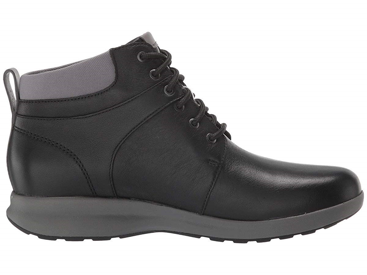 Clarks Un Adorn Walk Black Leather