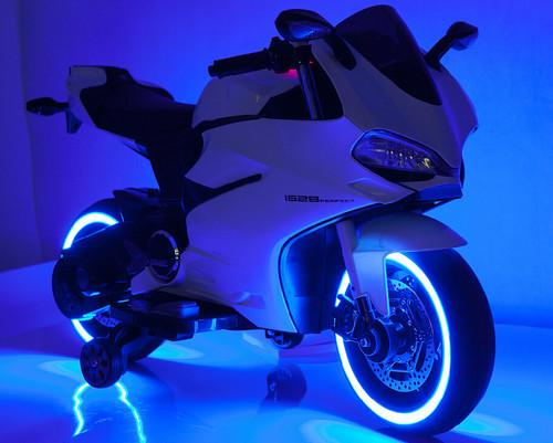 Honda Style 12V LED Motorcycle for Kids, Battery Powered Ride On Toy, Ride on Motorcycle... by