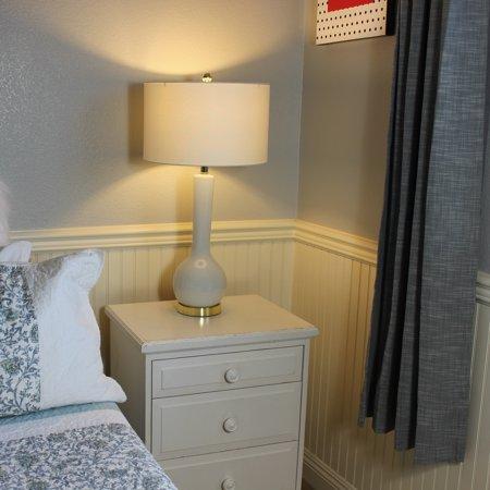 Modern Designs Cecilia Ceramic 32-Inch Tall Table Lamp