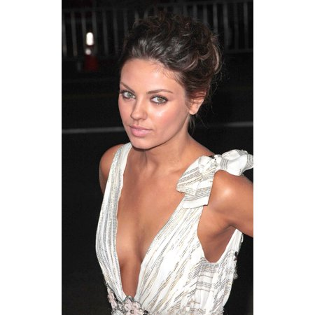 Mila Kunis At Arrivals For Max Payne Premiere Graumans Chinese Theatre Los Angeles Ca October 13 2008 Photo By Adam Orchoneverett Collection Photo Print