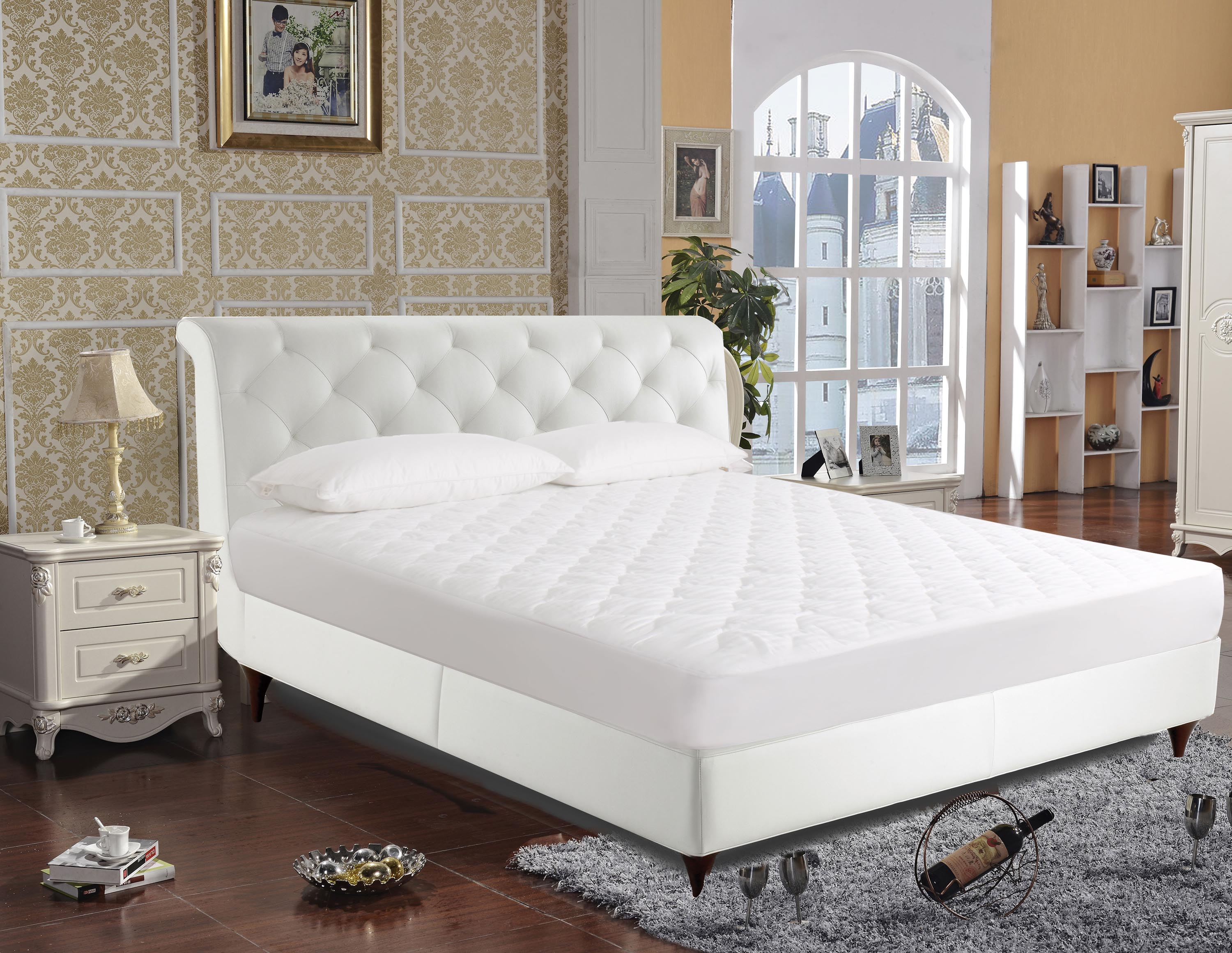 250-Thread Count Luxury Cotton Mattress Pad by Newpoint International Inc