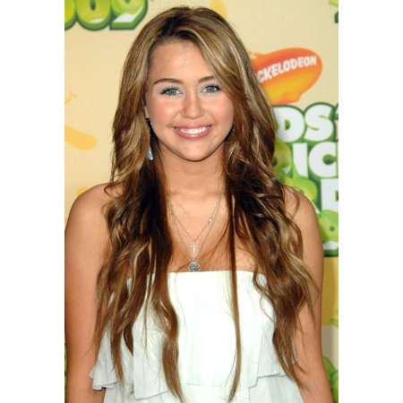 Miley Cyrus At Arrivals For Nickelodeons 22Nd Annual Kids Choice Awards   Arrivals Rolled Canvas Art     8 X 10