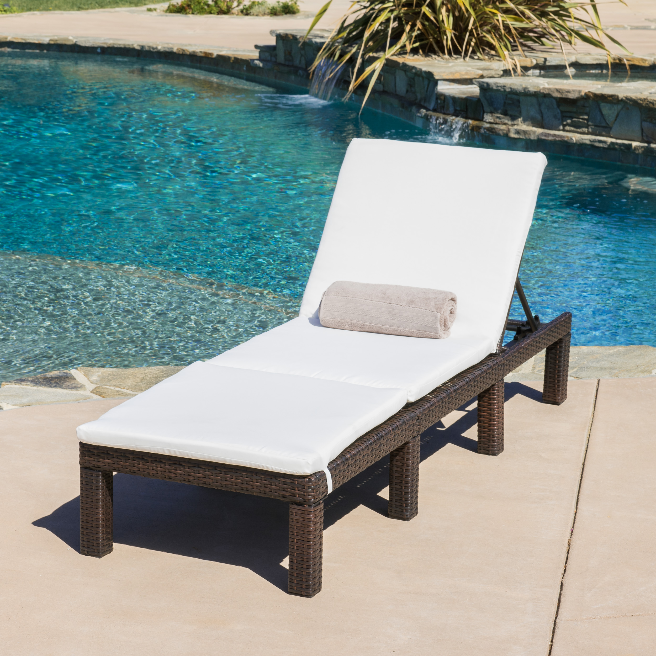 Aspen Outdoor Wicker Adjustable Chaise Lounge Chair with Cushion, Multibrown