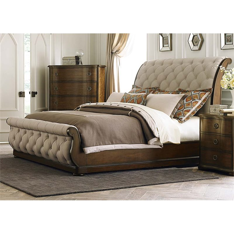 Liberty Furniture Cotswold Upholstered King Sleigh Bed in Cinnamon
