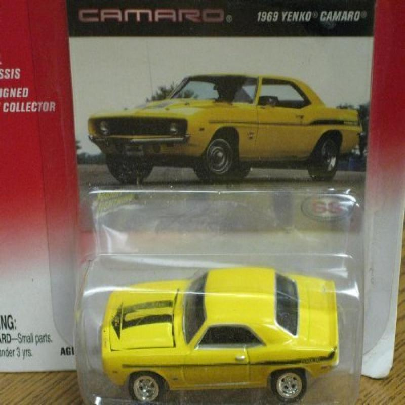 Johnny Lightning 35th Anniversary Chevrolet Camaro 1969 Y...