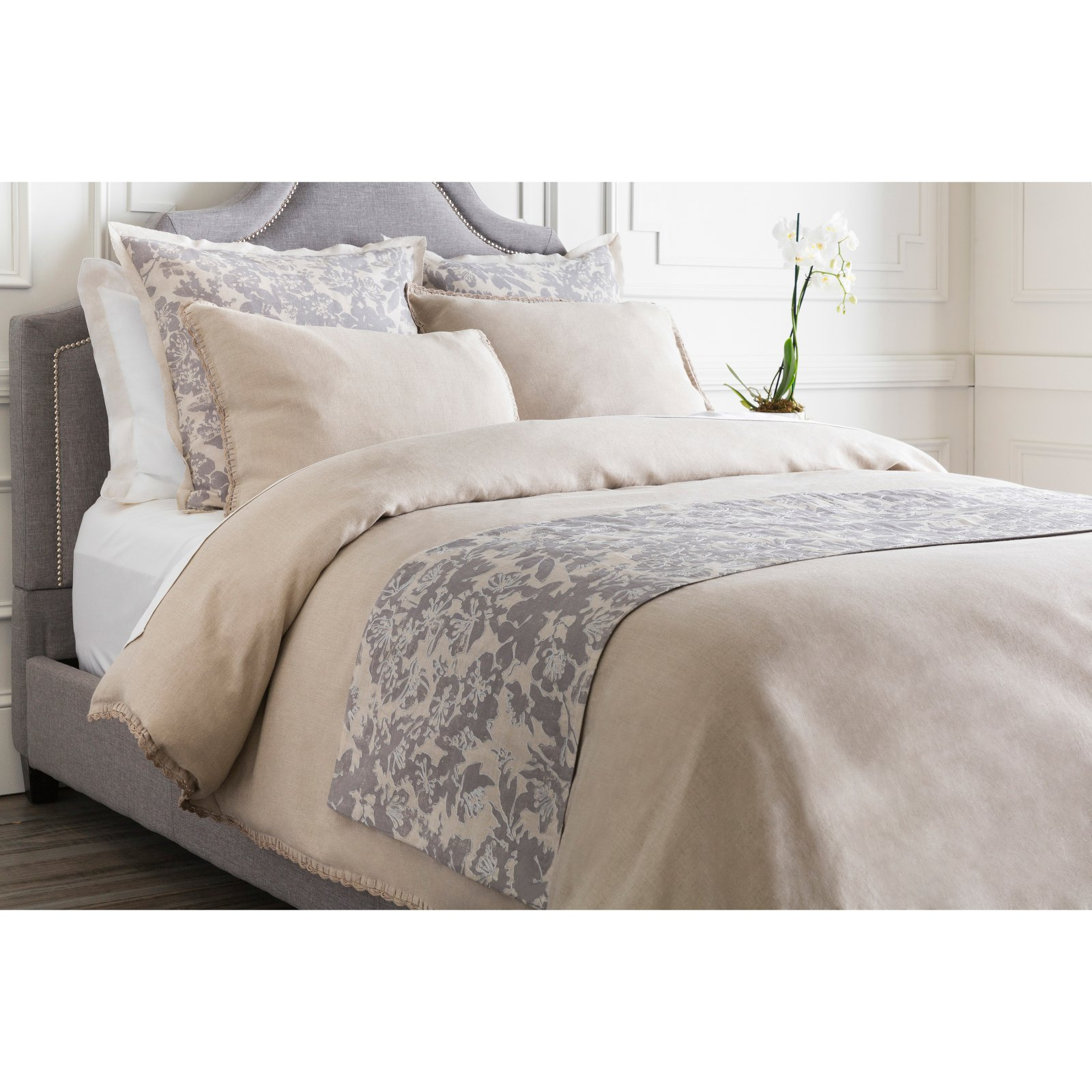 Clara Bed Runner by Surya