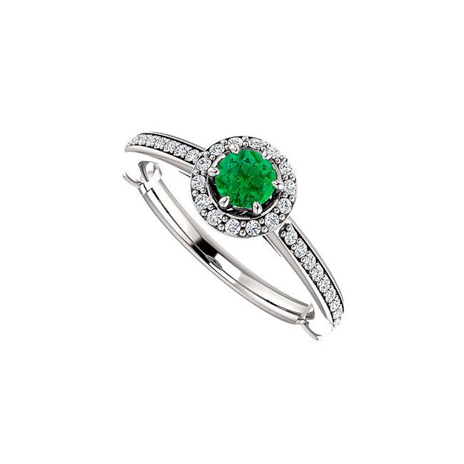 0.75 CT 925 Sterling Silver Fab Emerald Cubic Zirconia Engagement Halo Ring, Size 6 - image 1 de 1
