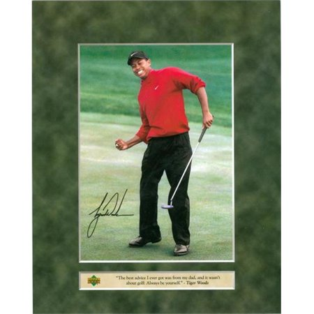 Tiger Woods 8X10 Photo  Golf  Upper Deck With Facsimile Signature