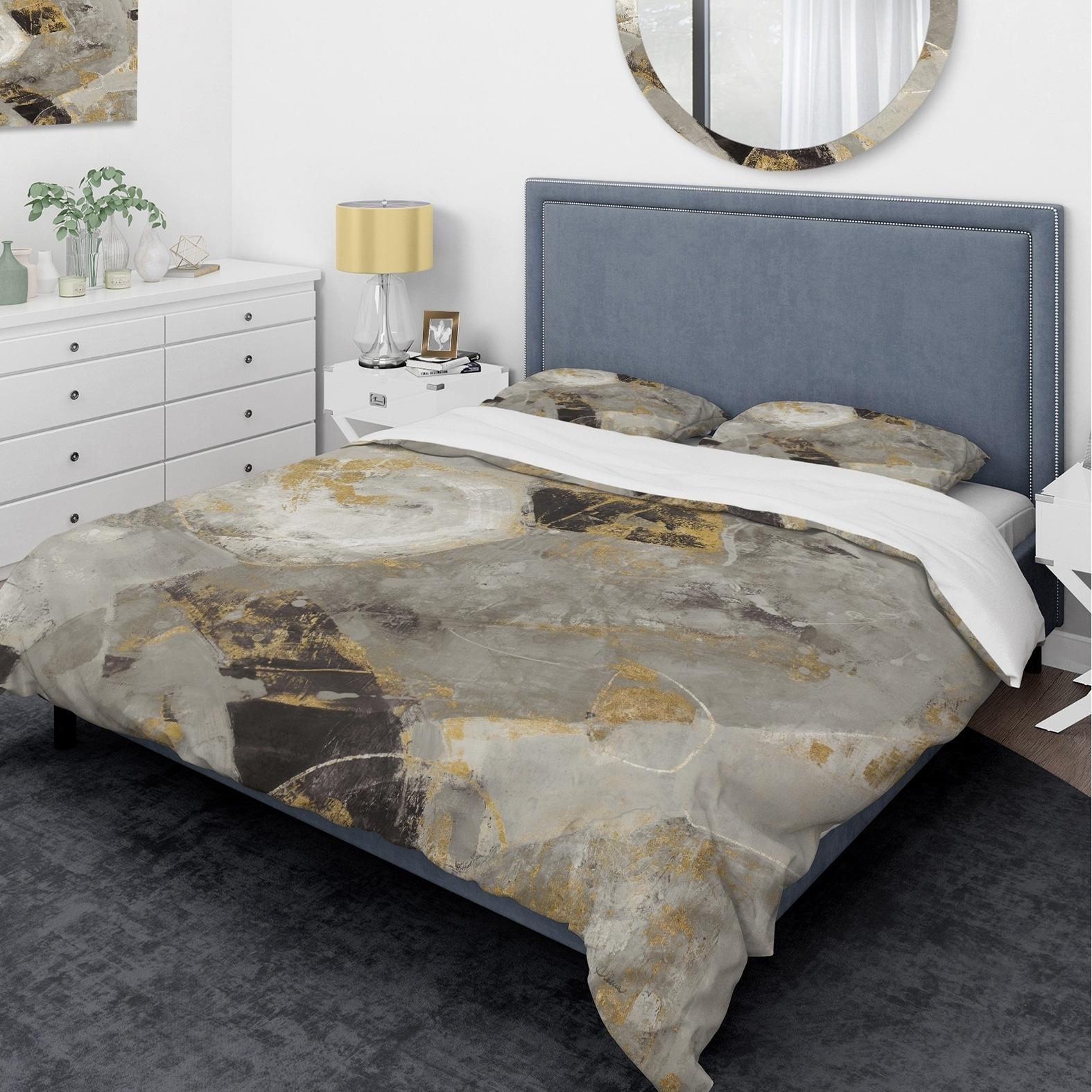 DESIGN ART Designart 'Glam Gold Desert Neutral' Glam Bedding Set - Duvet Cover & Shams