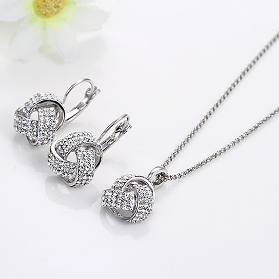 Womens 18K White Gold Plated Gorgeous Austrian Crystal Necklace and Earrings Sets