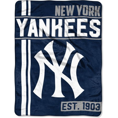 "MLB New York Yankees ""Walk Off"" 46""x 60"" Micro Raschel Throw"
