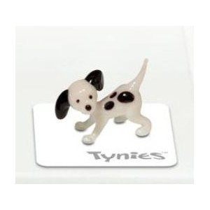Tynies Animals Mia - Dog Dalmation * Colors May Vary * Glass Figure This is for one figure. This tiny glass figure is one of the many charming collectable glass animals by Tynies. Even though they are extra small, approximately 3/4 inch to 1 inch size, they make a big impact. Whimsical in design, they glisten in the light. Children of all ages will love to own their own glass menagerie. Great idea for party favors, gifts, and collectibles. For ages 8 and up. Colors and Designs may Vary.