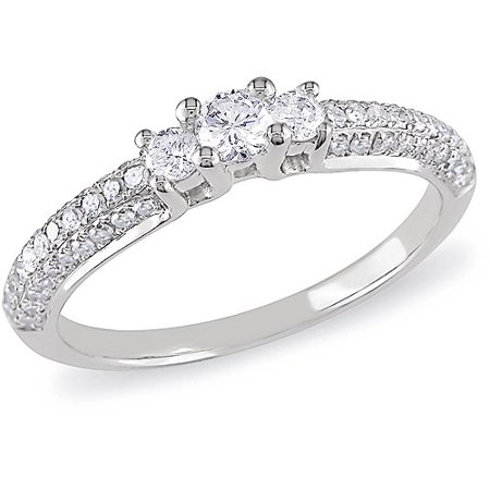 1/2 Carat TDW Diamond Engagement Ring in 10kt White Gold