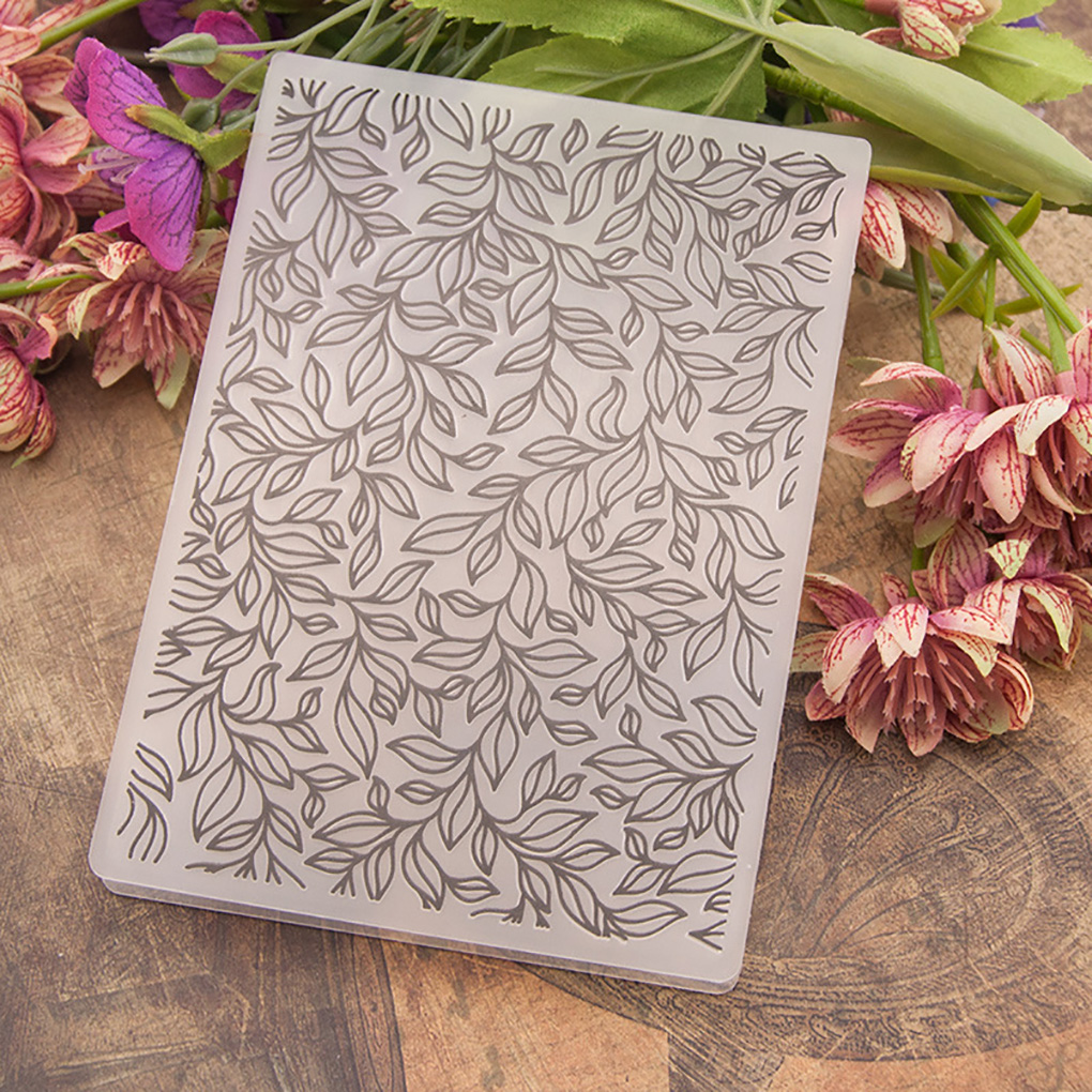 Plastic Template Stamp Card Making Decoration Wreath Leaves Xcut Embossing Folder for Scrapbooking /& Cardmaking