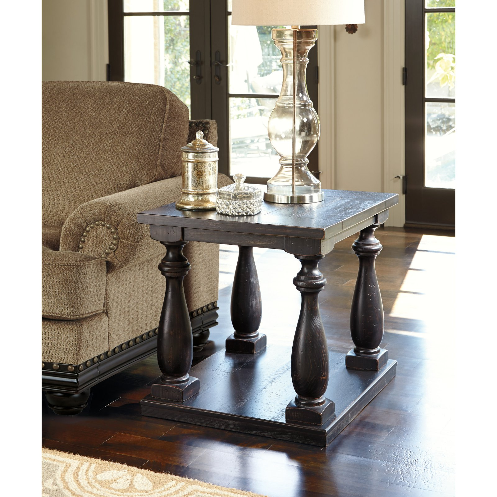 Signature Design by Ashley Mallacar End Table