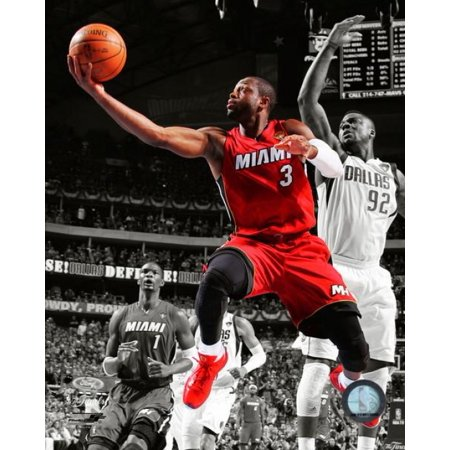 Autographed Wade Photograph - Dwyane Wade Game 3 of the 2011 NBA Finals Spotlight Action(#19) Photo Print