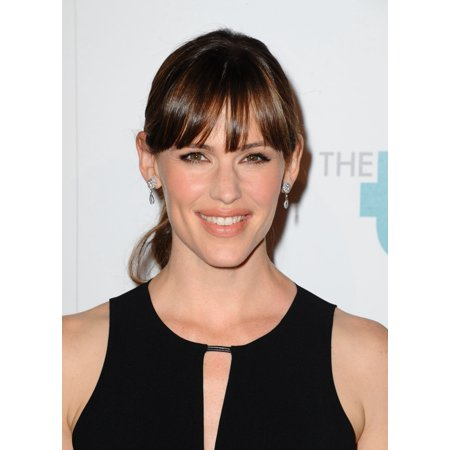 Jennifer Garner At Arrivals For 5Th Annual Thirst Gala In Partnership With Skyo And Relativitys Earth To Echo Canvas Art     16 X 20