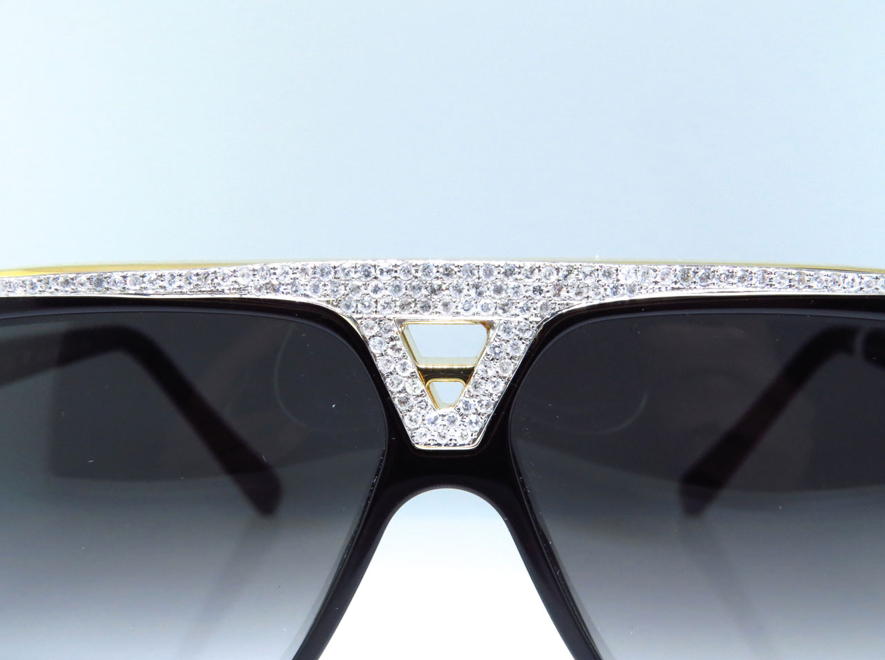 80ff513a224 Louis Vuitton - Louis Vuitton Louis Vuitton Diamond Aviator Sunglasses  Evidence Black   Gold Z0350W 5.0 Ct. - Walmart.com