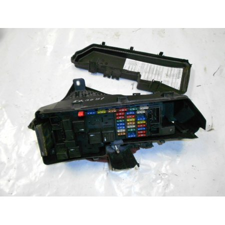 (Pre-Owned Original Part) FUSE BOX 03 Volvo S60 Under Hood 8622520 on