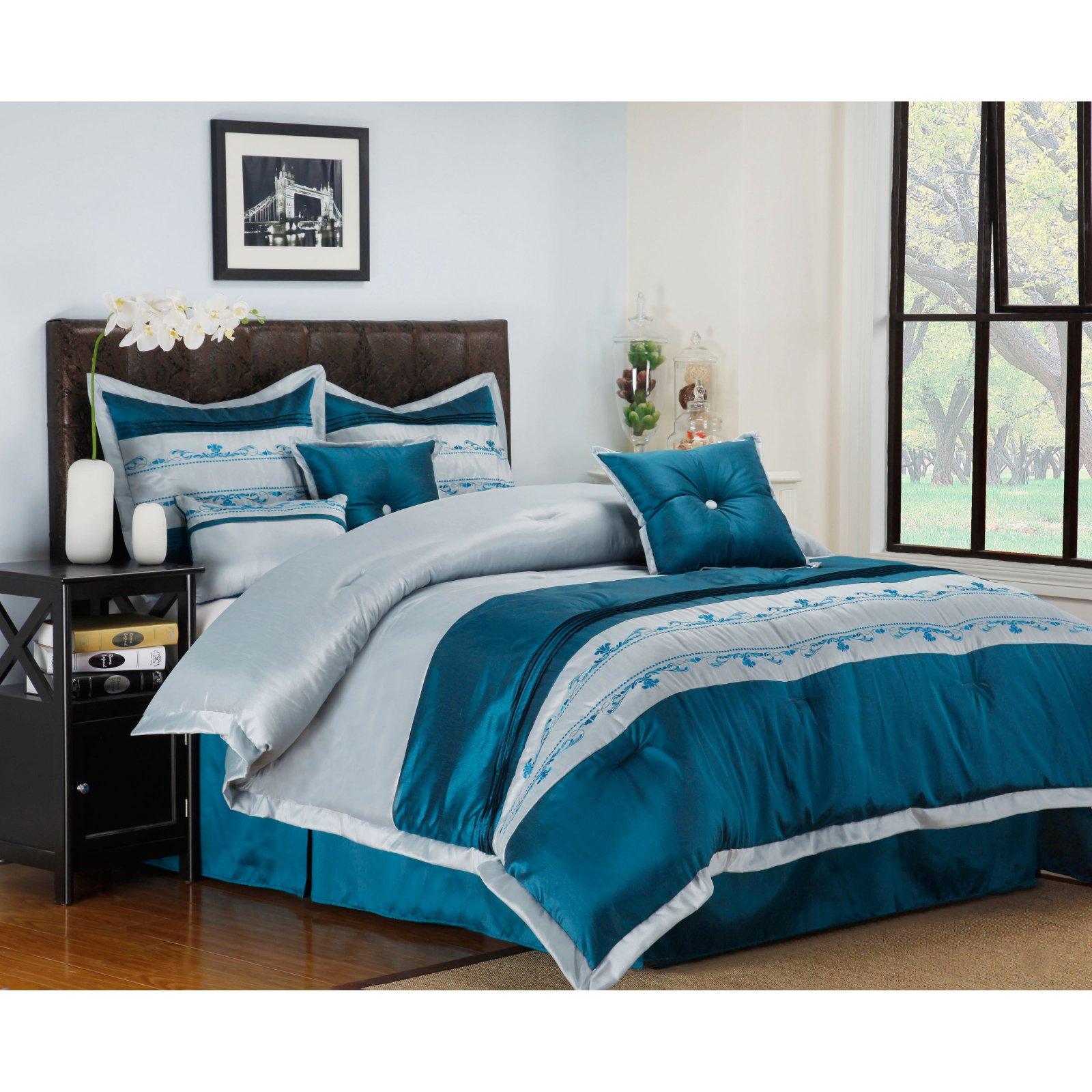 Superior Carrington 7 Piece Bedding Set