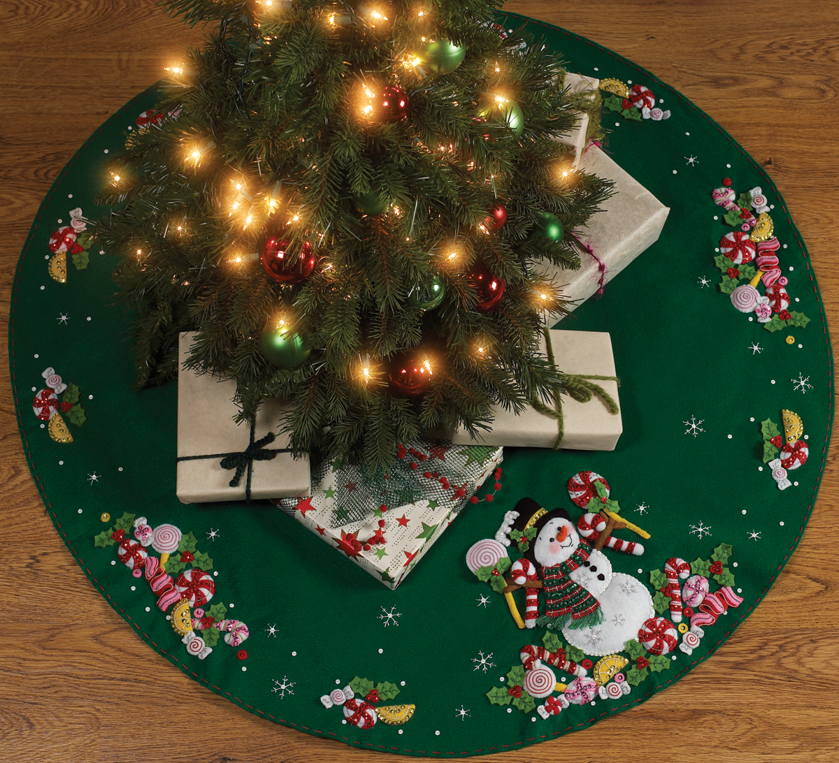 Bucilla Felt Tree Skirt Kit, Candy Snowman