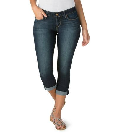 Signature by Levi Strauss & Co. Women's Modern Capri Jeans ...