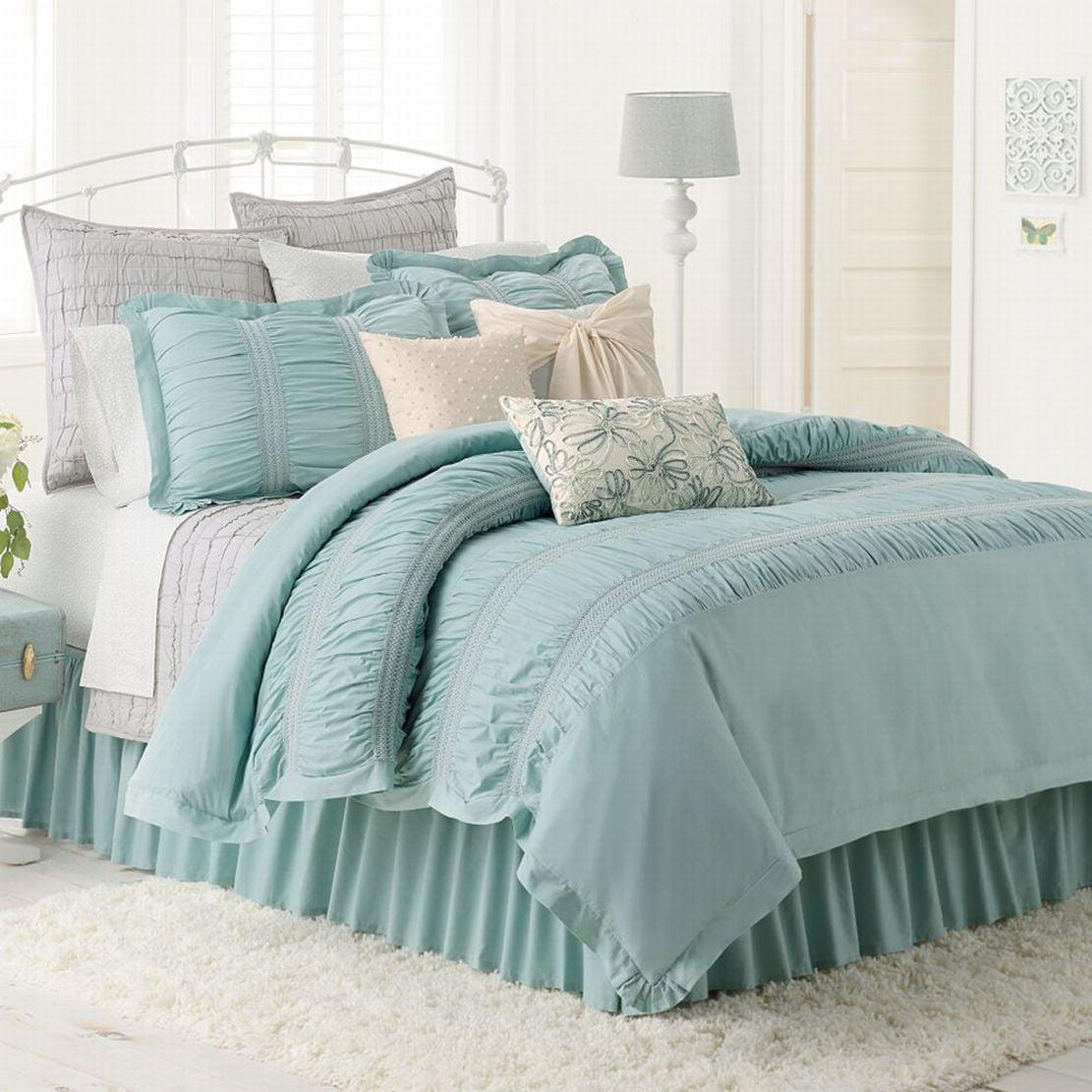 LC Lauren Conrad Lily Reversible Comforter Set Pretty Blue Twin/Twin ...
