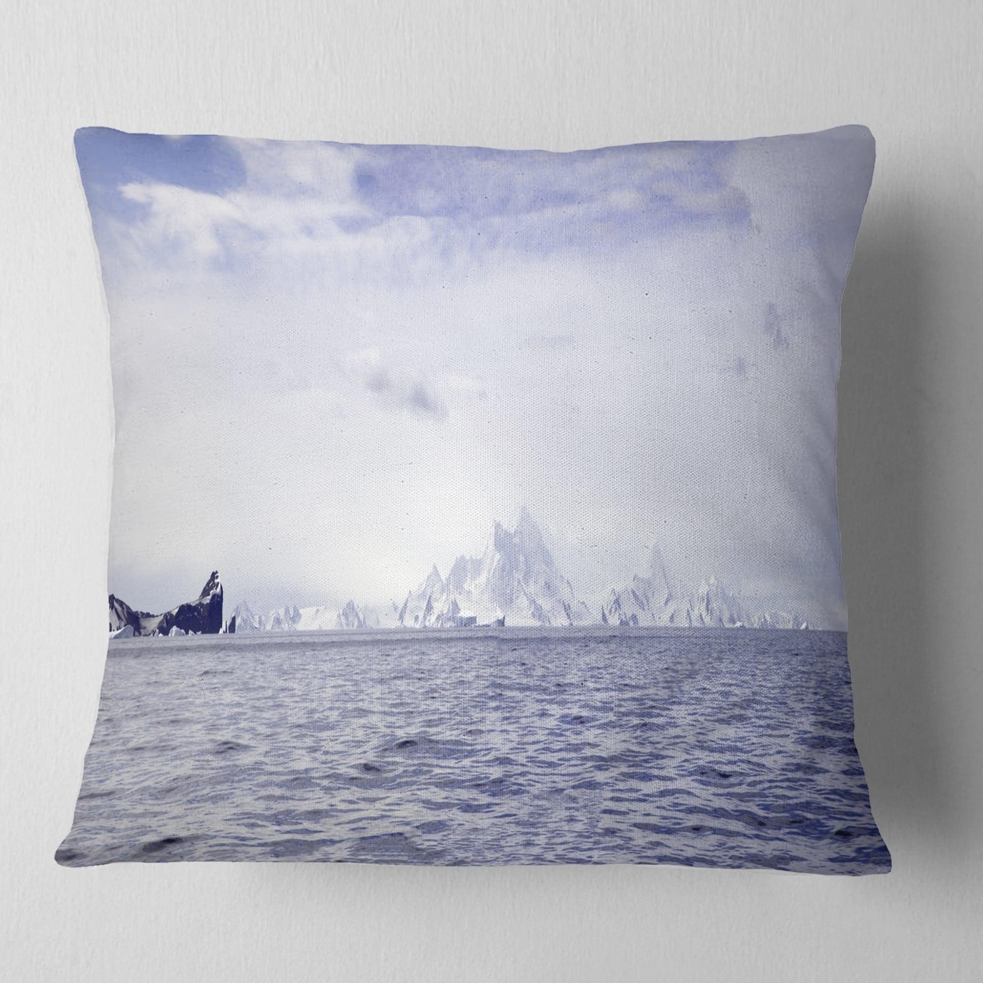 Design Art Designart Antarctic Sea With Icebergs Seascape Throw Pillow Walmart Com Walmart Com