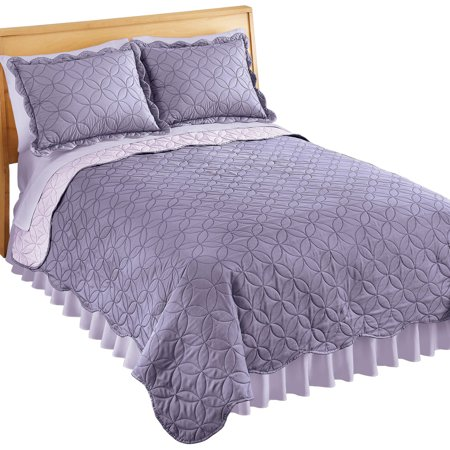 Reversible Two-Tone Quilt with Circular Design and Scalloped Edges, Full/Queen, Lavender ()