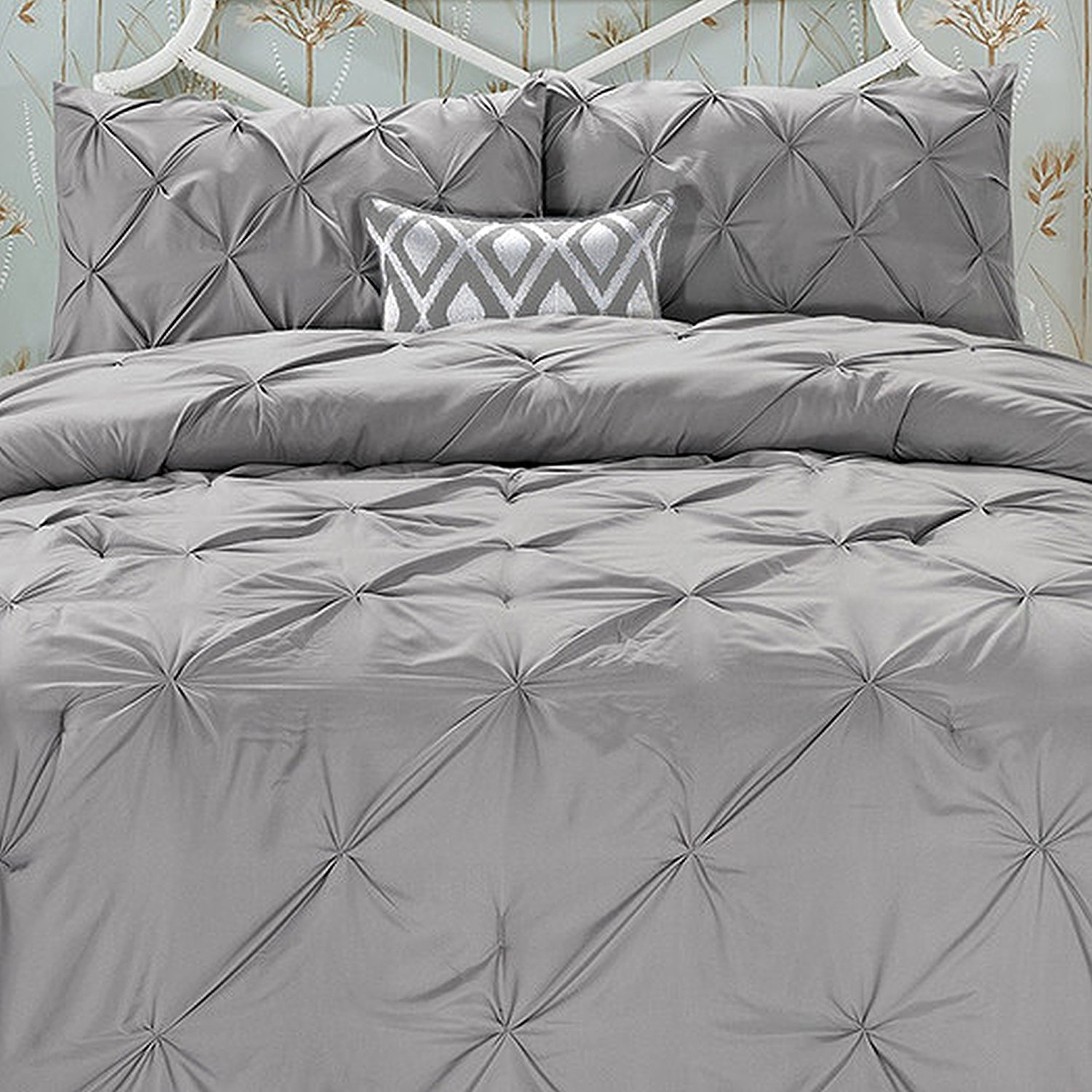 Elegant Comfort Wrinkle Resistant - All Season Luxury Silky Soft Pintuck 3-Piece Comforter Set - King Grey