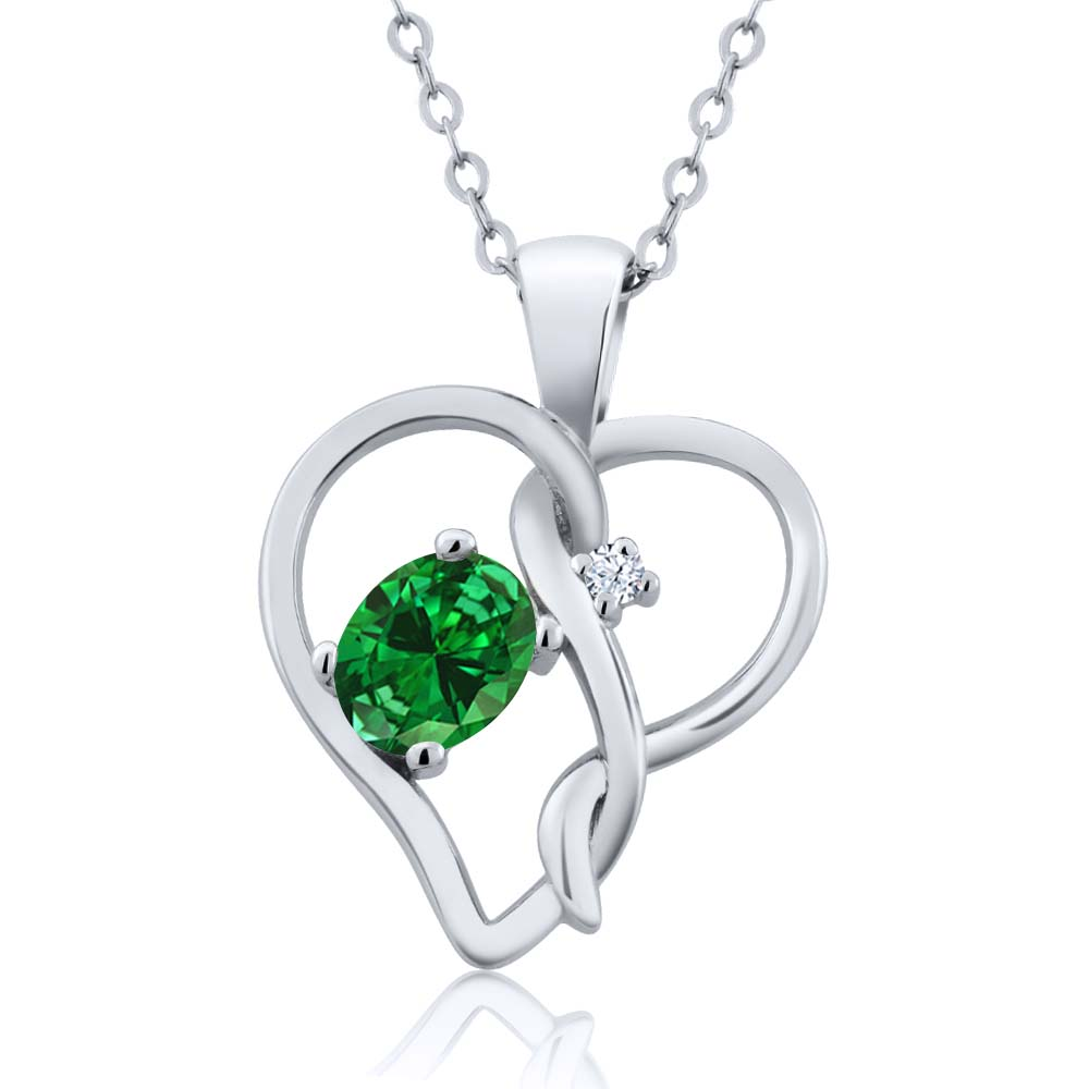 """0.69 Ct Oval Green Simulated Emerald 925 Sterling Silver Pendant With 18"""" Chain"""