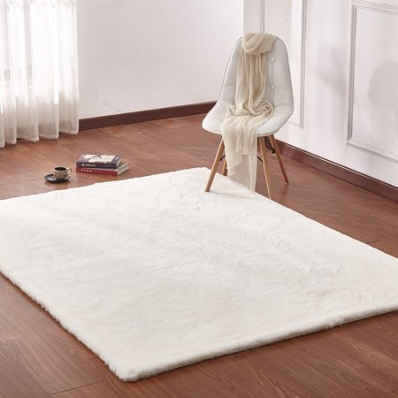5 Feet By 7 Chinchilla Faux Fur Area Rug In Solid Off White Made Of