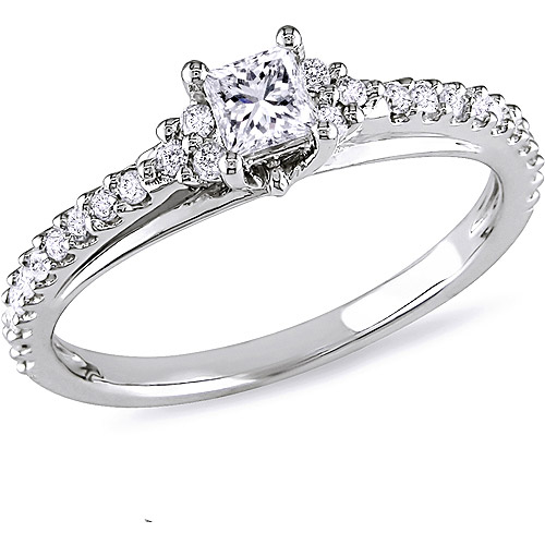 1 2 Carat T.W. Princess and Round-Cut Diamond Engagement Ring in 10kt White Gold by