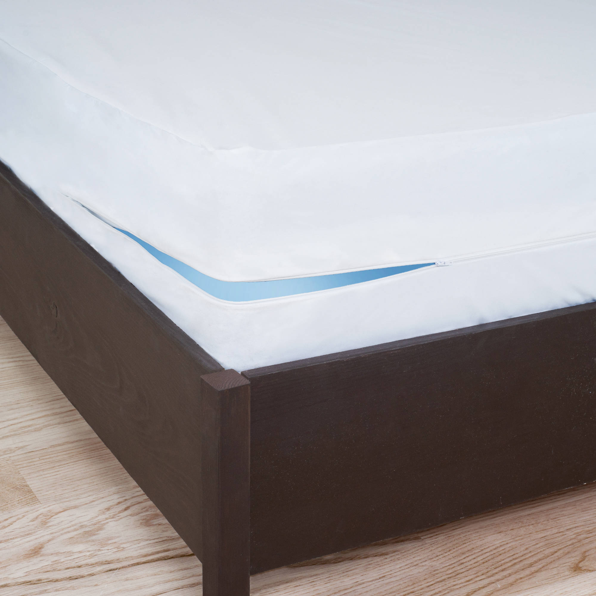 Box spring cover queen box spring costco tissue box cover for Sofa bed zippered mattress cover