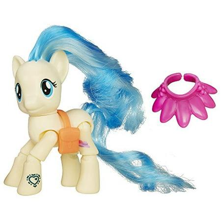 Snow Pony (My Little Pony Explore Equestria Action Figure: Runway Show Miss Pommel)