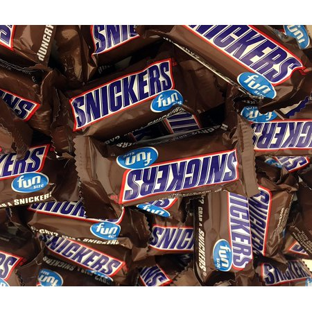 Snickers Fun Size Chocolate Caramel Candy Bars, Treat Size Bulk Pack (Pack of 2 Pounds) (Chocolate Coins Bulk)