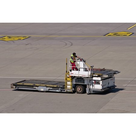 Canvas Print Tractor Tarmac Airport Special-purpose Vehicle Work Stretched Canvas 10 x