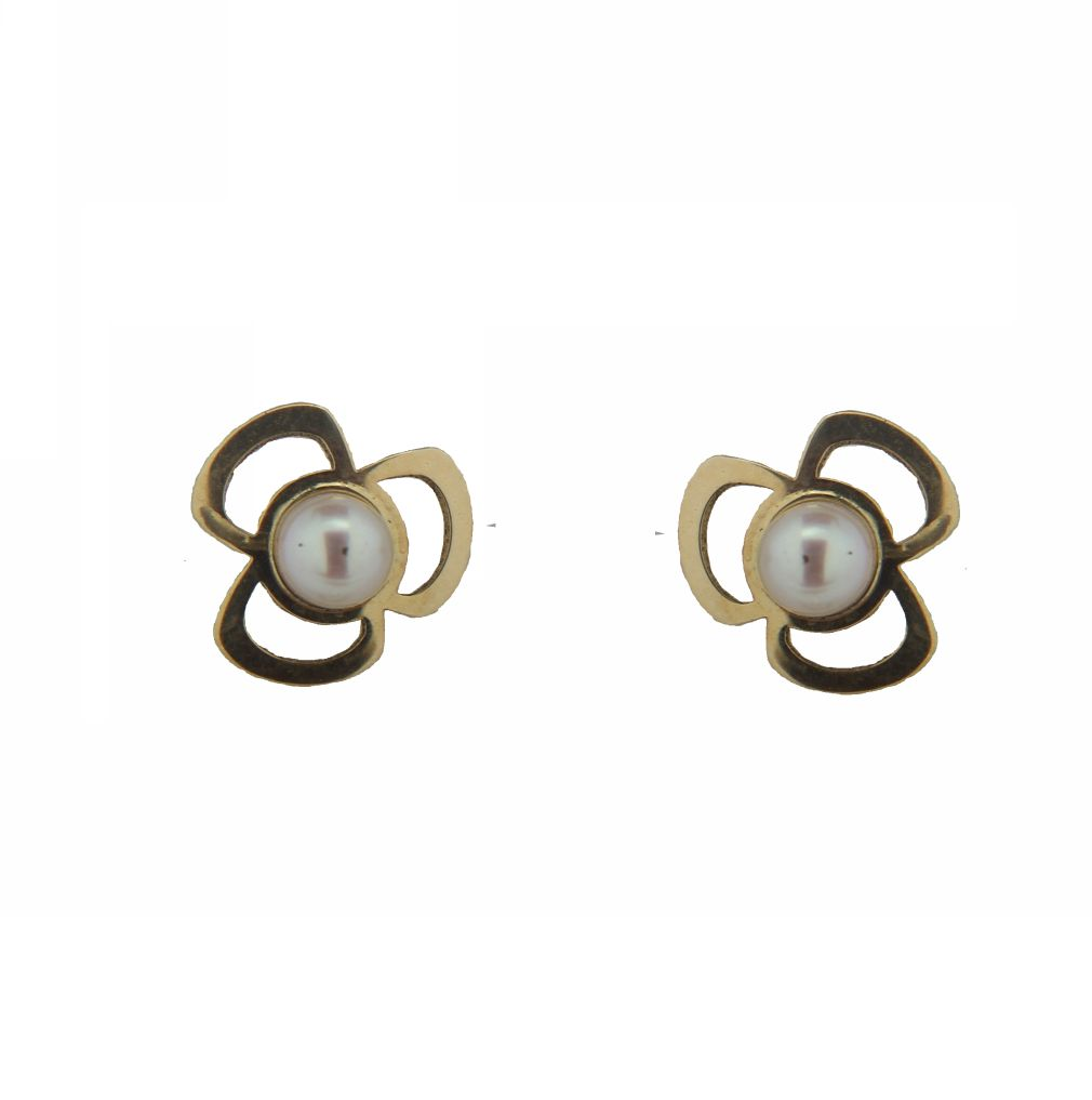 18K Yellow Gold 3 Leaf Clover with Pearl Center Screwback Earrings (7mm with 3mm Pearl) by