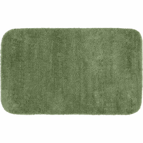 Traditional Plush Nylon Washable Bath Rug by Garland Rug