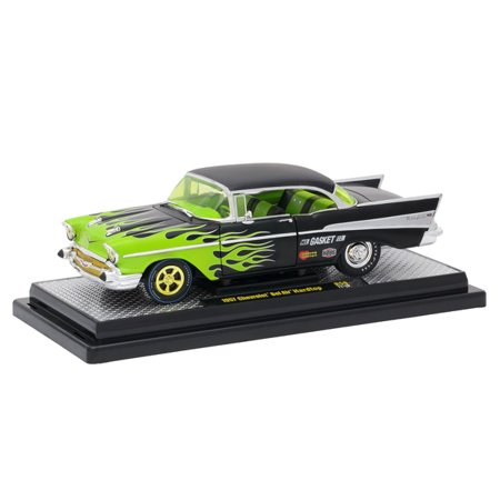 M2 MACHINES 1:24 AUTO-THENTICS RELEASE 59 VERSION B - 1957 CHEVROLET BEL AIR (BLACK WITH GREEN FLAMES) 40300-59B
