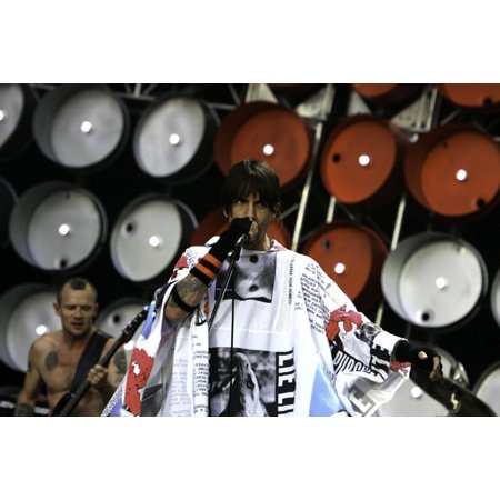 Anthony Kiedis of The Red Hot Chili Peppers performing at Live Earth at the Wembley Stadium in London Photo